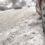 Atenție șoferi: se circulă cu greutate în orașul Galați din cauza ninsorii