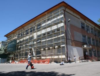 Premieră în învățământul gălățean: Prima școală alimentată cu panouri solare