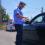 Șofer amendat pentru că a aruncat un chiștoc pe geamul mașinii. Cât va plăti și ce i-a spus polițistul