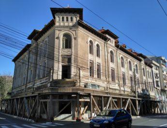 Primăria, trasă la răspundere pentru Palatul Simion Gheorghiu