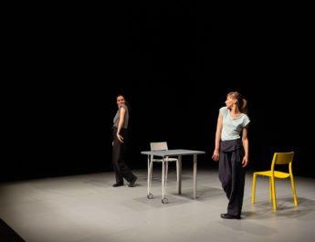 Spectacol gratuit de teatru despre dramele tinerelor mame din mediul rural